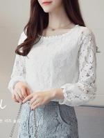 เสื้อลูกไม้แฟชั่นเกาหลี เสื้อลายลูกไม้สวยๆ สีขาว แขนยาว คอกว้าง ใส่สบาย