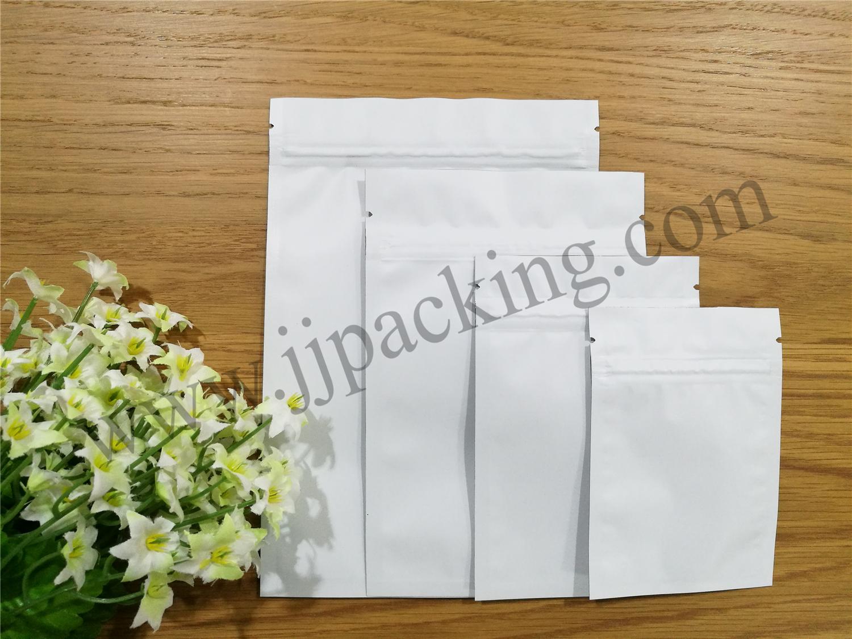 ซองฟอยล์ซิปล็อค สีขาวด้าน (Matte Foil Flat Pouch with Zipper - White)