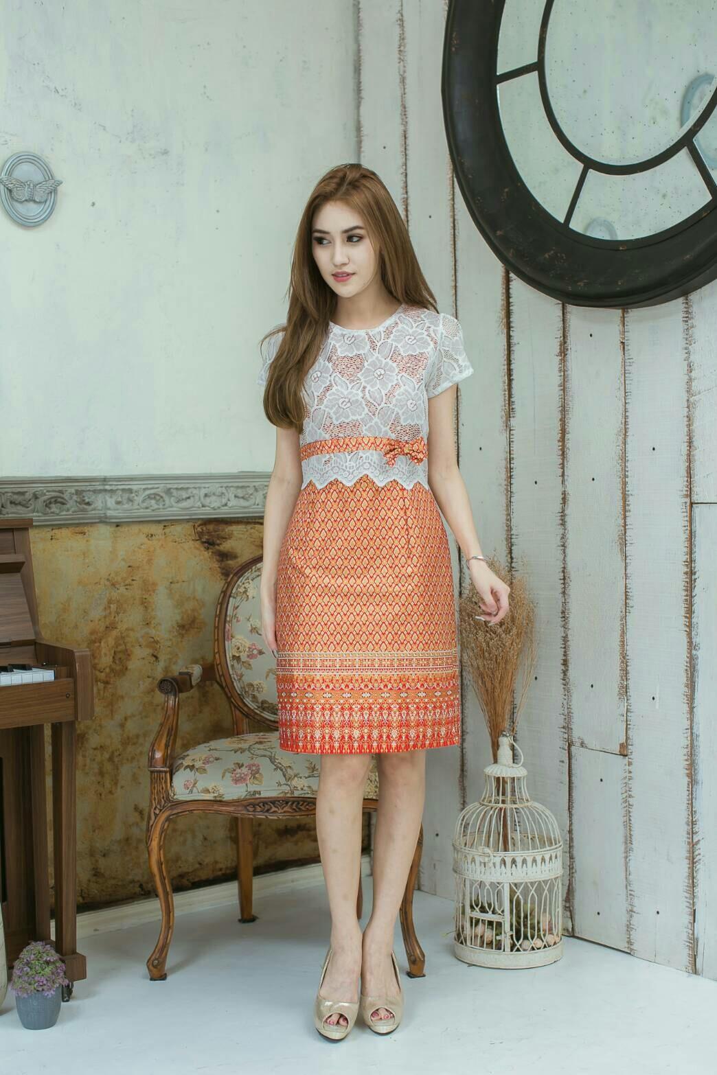 ชุดผ้าลูกไม้ไทย