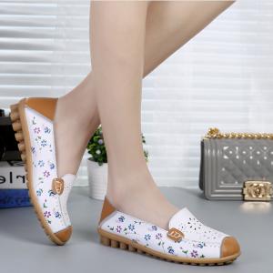 SK10 รองเท้าหนังนิ่ม (หนังวัว) ลายดอกไม้เล็ก Size 36
